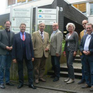 (von links: Dirk Wiese (MdB), Willi Brase (MdB), Dr. Christian Mohr (Geschäftsführer), Hubert Stratmann (Beratungsleiter), Petra Crone (MdB), Stefan Belke und Dr. Alfred Gerken)
