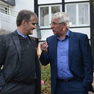 Thomas Dörr, Geschäftsführer des Ev. Johanneswerks in der Region Wittgenstein, begleitete Falk Heinrichs (SPD-MdL) auf einem Rundgang durch die Klinik Wittgenstein.