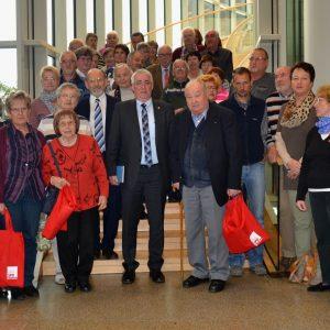 Falk Heinrichs empfing im Landtag Mitglieder sowie Freunde der AWO Erndtebrück und des SPD-Ortsvereins Littfeld, ebenso die Teilnehmerinnen eines Englischkurses an der VHS in Kreuztal.
