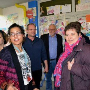 Bei einem Besuch der Flüchtlingsunterkunft Burbach informierte sich Tanja Wagener auch über die Kinderbetreuung im Hause.